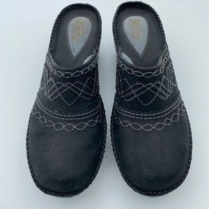 Clarks Charcoal Grey Leather Clog